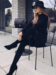 Find images and videos about girl, fashion and beautiful on We Heart It - the app to get lost in what you love. Classy Outfits, Pretty Outfits, Stylish Outfits, Winter Fashion Outfits, Fall Outfits, Autumn Fashion, Mode Chic, Mode Style, Sexy Stiefel