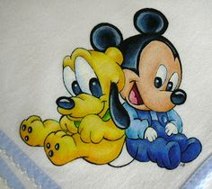 bebé & companhia: fralda do mickey e amigos Disney Kunst, Arte Disney, Disney Mickey, Disney Art, Baby Mickey, Fiesta Mickey Mouse, Baby Painting, Fabric Painting, Art Drawings Sketches