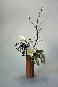 Ikebana Japanese flower arrangement 生け花