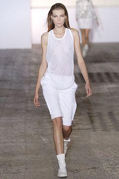 Nicolas Andreas Taralis Spring 2007 Ready-to-Wear Collection Photos - Vogue