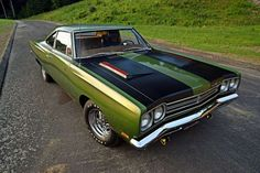 Day-Two 1969 Plymouth Road Runner Was Quarter-Mile Warrior Back in the Day - Hot Rod Plymouth Muscle Cars, Dodge Muscle Cars, Plymouth Gtx, Lifted Ford Trucks, Chevy Trucks, Pontiac Gto, Pontiac Firebird, Road Runner, American Muscle Cars