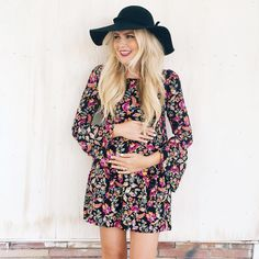 Preggo bump pregnant style fashion announcement picture idea