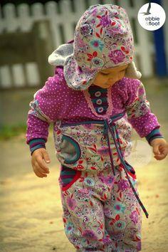 Kuscheliger Hoody für Mädchen selber nähen. #schnittmuster #ebook #nähen #diy #mathila