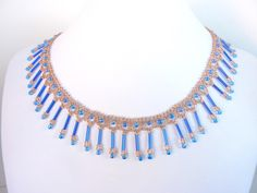 FREE beading pattern for necklace Bugle Fringes, made from any length bugle beads with fringe and seed beads.