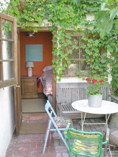 Priscilla Woolworth's cute, eclectic patio