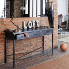 Shape salons consoles et tables for Miroir 40x160