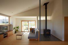 Vivienda de 118m² con un diseño minimalista, tanto en el ext…
