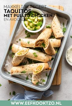 Taquitos met kip Mexican Food Recipes, Healthy Recipes, Ethnic Recipes, Pulled Chicken, Food Blogs, Diy Food, Lunches, Kids Meals, Side Dishes