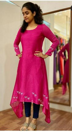 Salwar Designs, Kurti Designs Party Wear, Kurta Designs Women, Simple Kurta Designs, Stylish Dress Designs, Fancy Blouse Designs, Stylish Kurtis Design, Frock Design, Sari Design