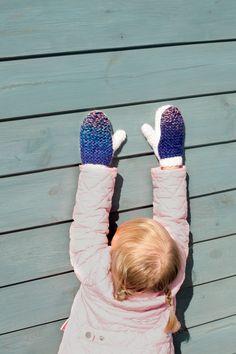 Lawina Kids mittens. Fun at the Polish seaside. http://lawinaknit.com/