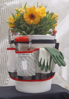 Hoist Away's garden tote is destined to become your favorite yard and garden small-tool organizer.