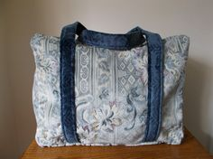 Large, Vintage style, weekend (overnight), carpet bag, oversize £25.00