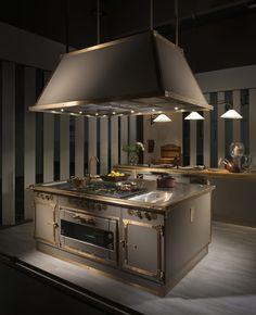 Kitchen Exhaust, Kitchen Stove, Kitchen Appliances, Brass Kitchen, Commercial Kitchen Design, Modern Kitchen Design, Luxury Kitchens, Cool Kitchens, Cuisines Design
