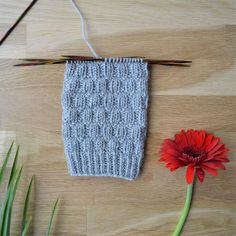 Koristejoustin mallineule Knitting Stitches, Knitting Socks, Crochet Socks, Knit Crochet, Boot Toppers, Wool Socks, Diy Projects To Try, Mittens, Sewing