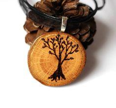 Hoi! Ik heb een geweldige listing gevonden op Etsy https://www.etsy.com/nl/listing/210412830/tree-of-life-wood-necklace-wooden