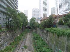 petite ceinture rue Gandon Paris Tour, Tramway, Rue, Railroad Tracks, Sidewalk, Train, The Neighborhood, Ile De France, Belt
