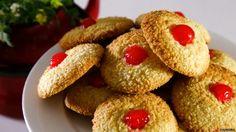Receita de Biscoitos de coco. Descubra como cozinhar a receita de biscoitos de coco de maneira prática e deliciosa com a TeleCulinária!