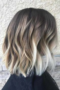 Beach Waves Short Hair Hair 48 Balayage Ombre Hair Colors For 2019 Beach Waves For Short Hair, Chic Short Hair, Short Hair Styles, Trendy Hair, Short Blonde, Short Wavy, Bun Styles, Short Curled Hair, Wavy Pixie