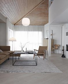 64 Super Ideas For Living Room Scandinavian White Mid Century Modern Home Interior Design, House Interior, Living Room Scandinavian, Home, Trendy Living Rooms, Minimal Living Room, Living Room Table, Beautiful Living Rooms, Room