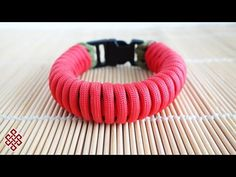How to Make the Twisted Pipe Knot Paracord Bracelet Tutorial - YouTube
