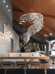 We created this custom made Shoal to grace the mastery of the Sushi chef in this Restaurant in Barcelona. Seafood Restaurant, Cafe Restaurant, Restaurant Design, La Grande Motte, Fish Sculpture, Fish Design, Modern Ceramics, Cafe Design, Commercial Interiors
