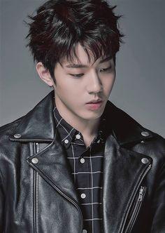윤도운 데이식스 Yoon Dowoon DAY6 Day6 Dowoon, Kim Wonpil, Young K, Pop Bands, Korean Artist, South Korean Boy Band, Beautiful Men, Rapper, Hip Hop