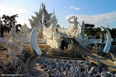 Cycle of Rebirth bridge, The White Temple