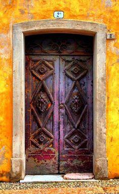 Door | ドア | Porte | Porta | Puerta | дверь | Sertã | Vittorio Veneto, Treviso, Italy. Great color.