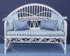 Miniature Metal Wire White Settee for Dollhouses - Click Image to Close