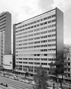 Edificio de Oficinas y Cine Paseo, Paseo de la Reforma 35, Tabacalera, México DF 1958 Arq. José Villagrán García Office building with Cine Paseo movie theatre,  Paseo de la Reforma, Mexico City 1958