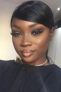 Fly Away Eyeliner   - 19 Marvelous Makeup Looks On Dark Skin