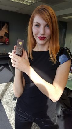 We are obsessed with Ashton Swinford's gorgeous red locks! Our Renewing Hair Serum promises a soft, shiny & nourishing finish for any hair type!  #niucoco #allnatural #coconutoil #glutenfree #vegan #hair #haircare #beauty #redhead #ashtonswinford #celebs