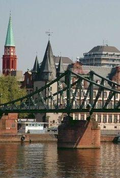Frankfurt, Eisensteg für Fußgänger über den Main