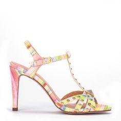 Sandalia Pedro Miralles en T con tachuelas y en color multicolor #shoes #shoeporn #trends #ss16 #shoes #pedromiralles #shoeaddict #madeinspain #tachuelas #colour