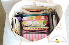 How to Organize Your Purse- great ideas on how to condense and consolidate to save you time and save your back! Via A Bowl Full of Lemons