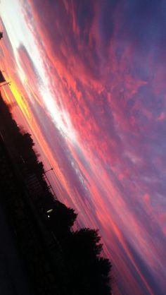 Sunset Wallpaper, Tumblr Wallpaper, Nature Wallpaper, Pretty Sky, Beautiful Sky, Sky Sunset, Sky Aesthetic, Purple Sky, Sky View