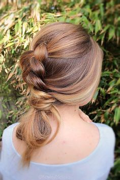 50 Gorgeous Party Hair ideas for New Year's Eve - This baguette bun is one part Dutch braid, one part bun, and totally unique.