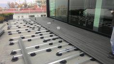 Twinson Terrace Massive: fase di posa nella terrazza di una residenza privata a Posillipo. #realizzazioni #Twinson #terracemassive #posa #terrazza #residenza #Posillipo #architecture