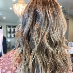 Fall Blonde. Color by @mal_joy  #hair #hairenvy #hairstyles #haircolor #bronde #blonde #balayage #highlights #newandnow #inspiration #maneinterest