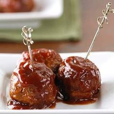 healthy Cranberry-Sauced Meatballs Appetizer Tender chicken or turkey meatballs studded with cranberries take on a glorious flavor when they're simmered in a snappy cranberry-flavored barbecue sauce.