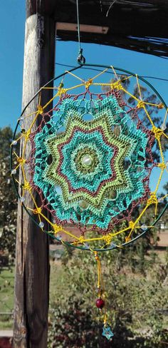 Mandala decorativo hecho a mano en crochet de algodón para Mobiles, Dreamcatchers, Hand Crochet, Margarita, Etsy, Crochet Carpet, Cotton Crochet, How To Knit, Loom
