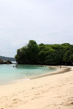 Quiet section of the beach at Cayo Levantado