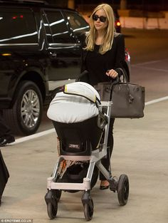 I'd like to look this chic when I have a baby, kthanks.