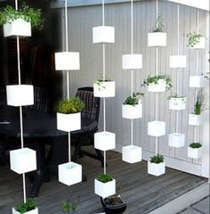 32 Incredible Hanging Garden Ideas For Your Garden Inspiration - Garden Decor Hanging Herb Gardens, Hanging Herbs, Diy Hanging, Outdoor Gardens, Vertical Gardens, Vertical Planter, Small Gardens, Balcony Garden, Indoor Garden