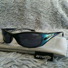 1d8d330a1f1 Arnette Polarized Sunglasses Arnette Polarized Sunglasses in great  condition!