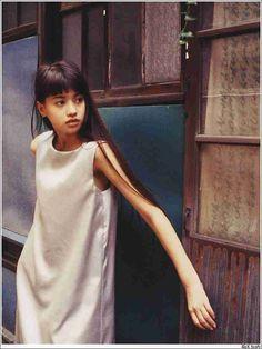 Hinano Yoshikawa:吉川ひなの Japanese Fashion, Japanese Girl, 90s Fashion, Girl Photos, Beautiful People, High Neck Dress, Street Style, Actresses, Shirt Dress