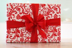 Gift wrapping tutorial www.accidentalokie.com