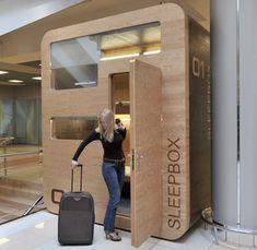 Sleepbox. Uitrusten op het vliegveld