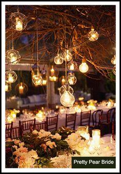 {Things I Love Thursday} Nighttime Garden Weddings | The Pretty Pear Bride
