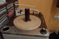 Wincofon 2020 mono record player with single adaptor.